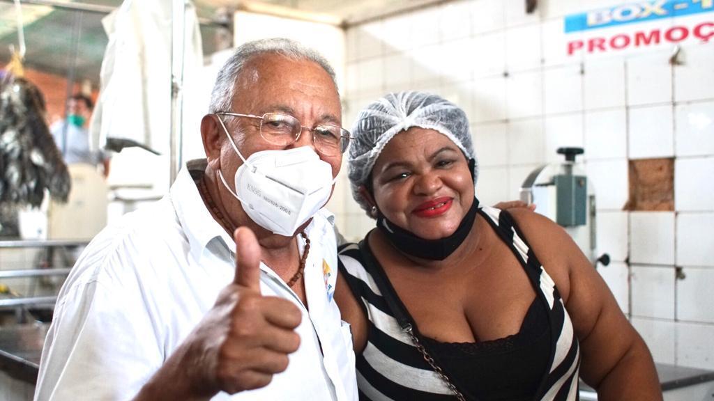 Dr. Pessoa visita Mercado da Piçarra e garante reforma