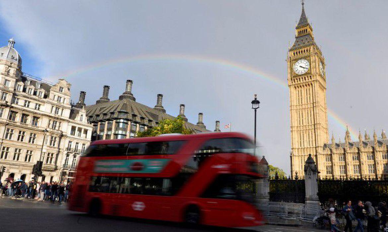 Reino Unido tem número crescente de casos de covid-19