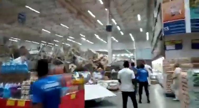 Plateleiras de supermercado caem e deixam feridos em São Luís