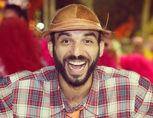 """Humorista Vinícius Karcam apresenta """"Show do Cabôco"""" em drive-in neste sábado (17)"""