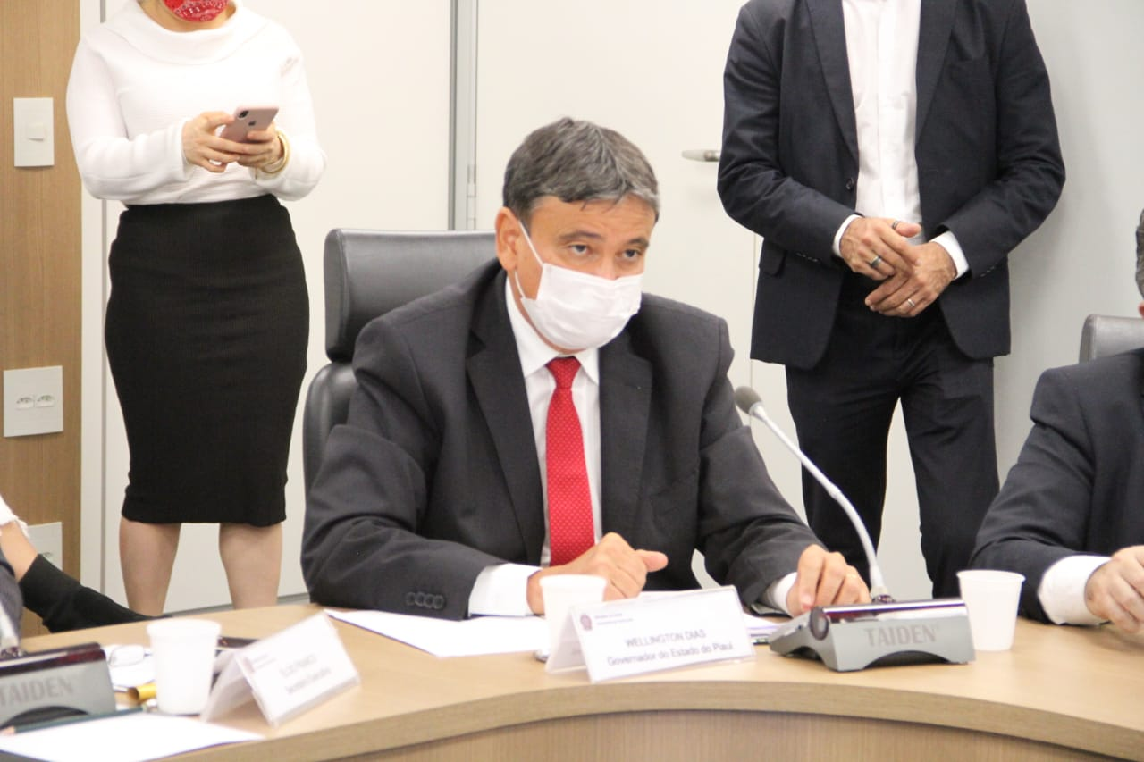 Wellington Dias acredita que vacinação contra Covid-19 inicia em janeiro